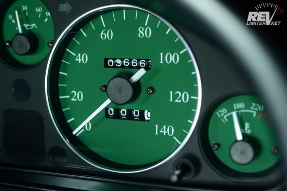 1002 speedometer