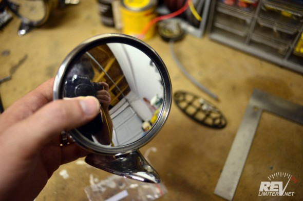 ... and slide the bubble under the rubber seal.