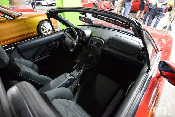 NA8 interior