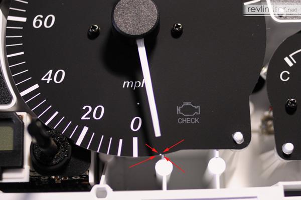 Align the speedometer.